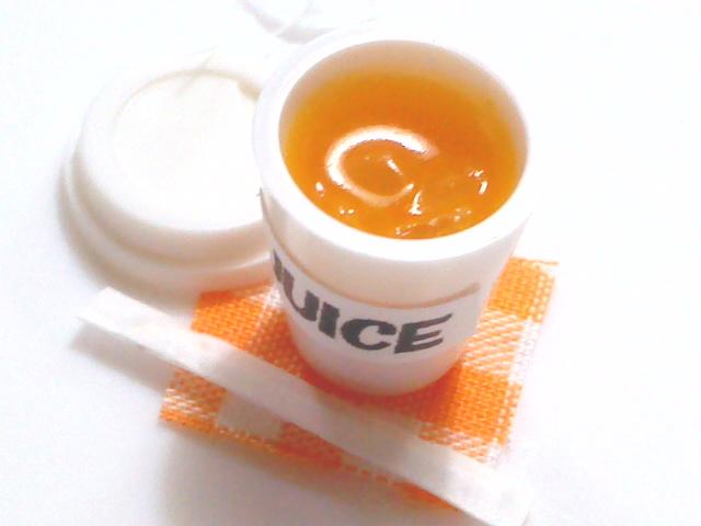 画像1: カップ入りオレンジジュース