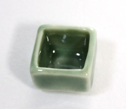 画像2: 陶器四角皿・グリーン