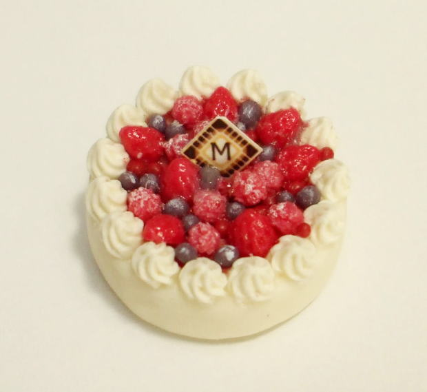 画像1: ミックスベリーのホールケーキ