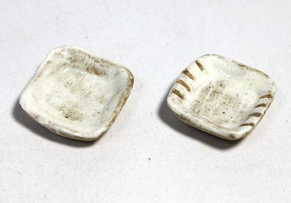 画像1: 陶芸・粉引角小皿1枚(特価)
