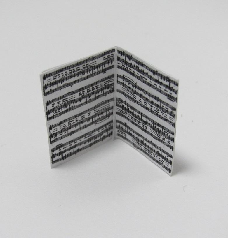 画像3: 楽譜(表紙絵)