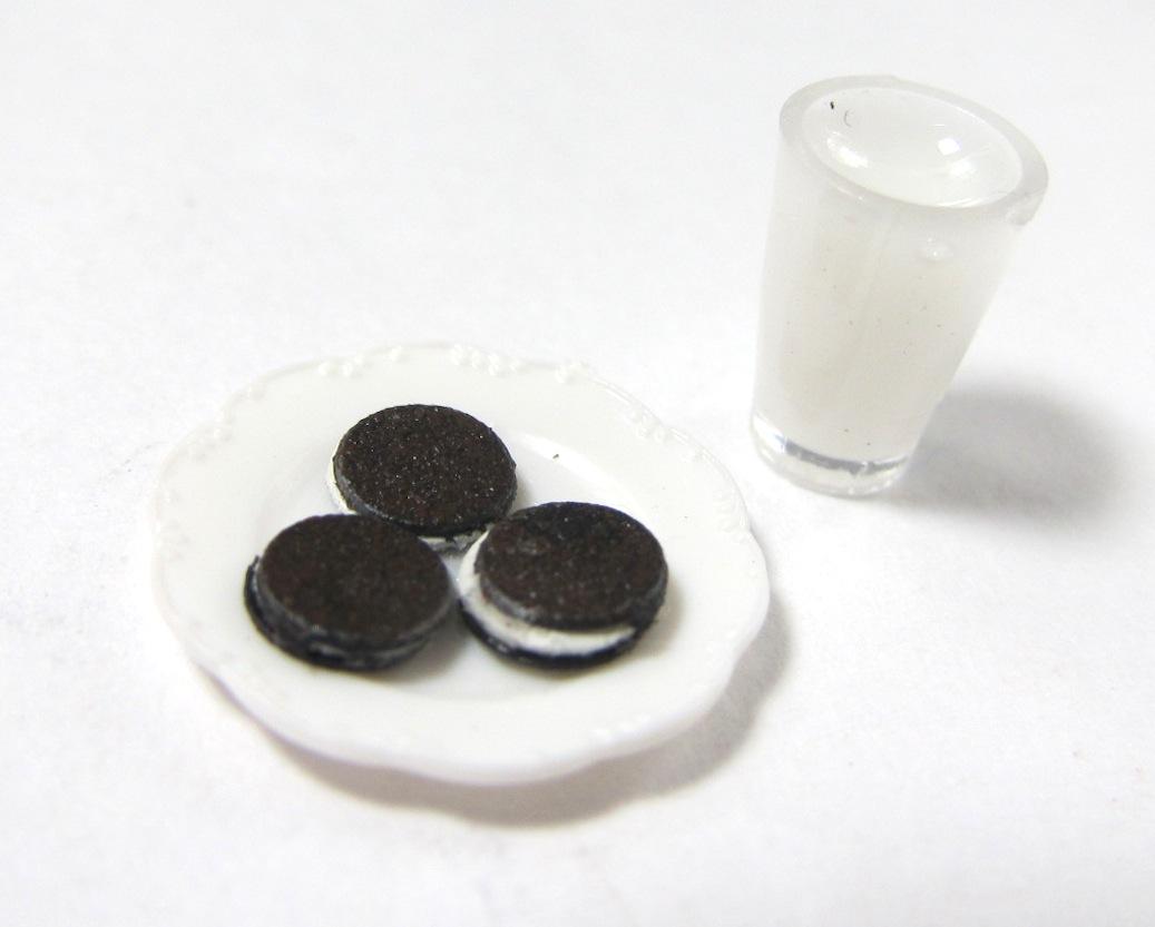 画像1: チョコサンドクッキー&ミルクセット