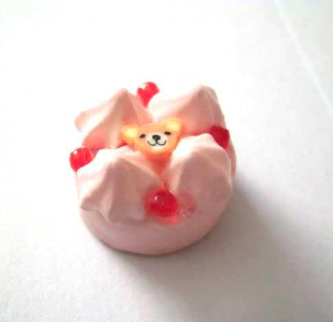 画像1: くまのイチゴケーキ(特価)