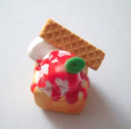 画像1: 苺ソースハニートースト(特価)