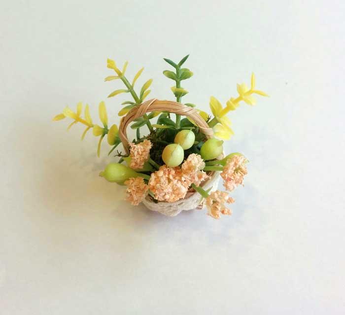 画像2:  ミニかご寄せ植え・サーモン花