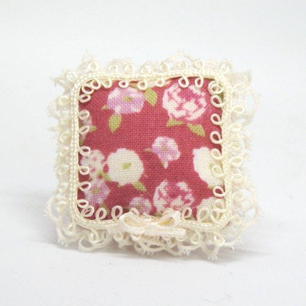 画像1: クッション 赤花柄