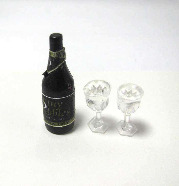 画像2: シャンパンとグラス2個