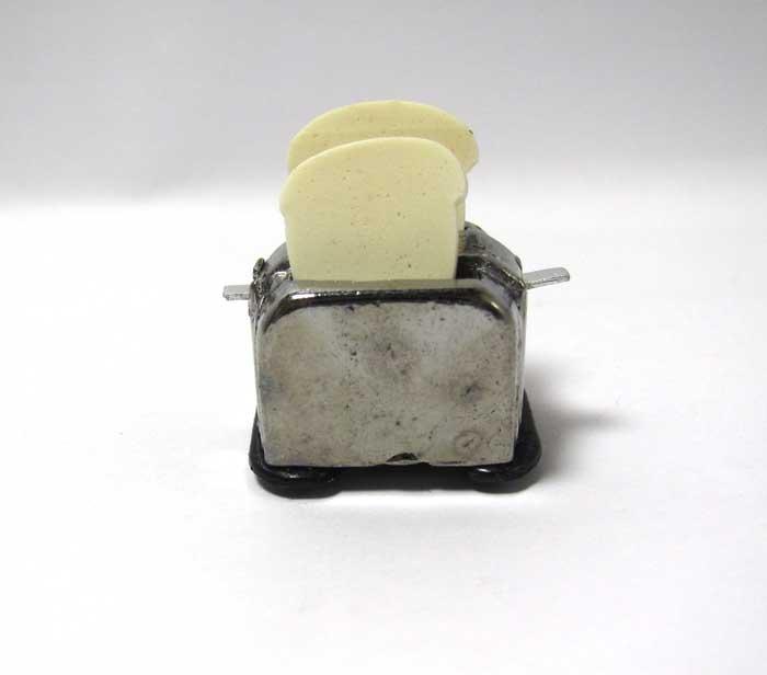 画像1: トースターとパン