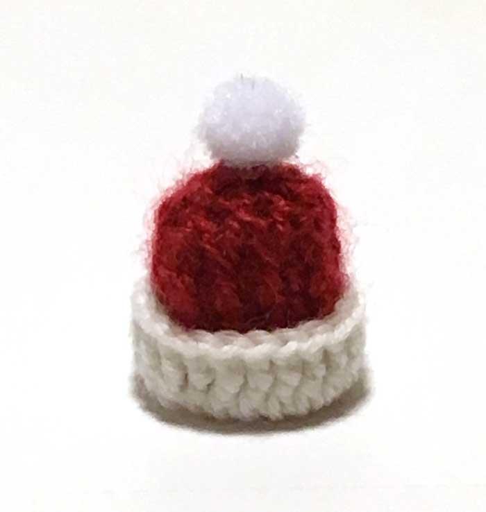 画像1: ポンポンつき ニット帽(サンタカラー)
