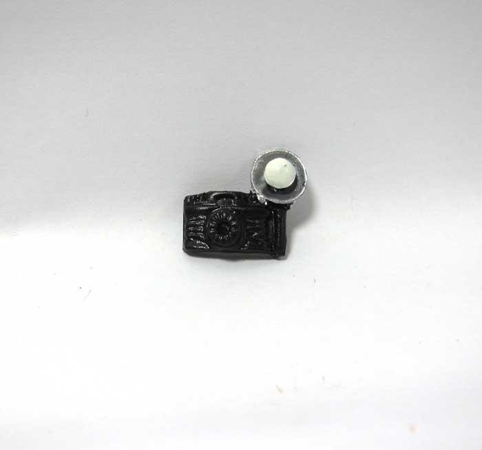 画像1: フラッシュ付きカメラ
