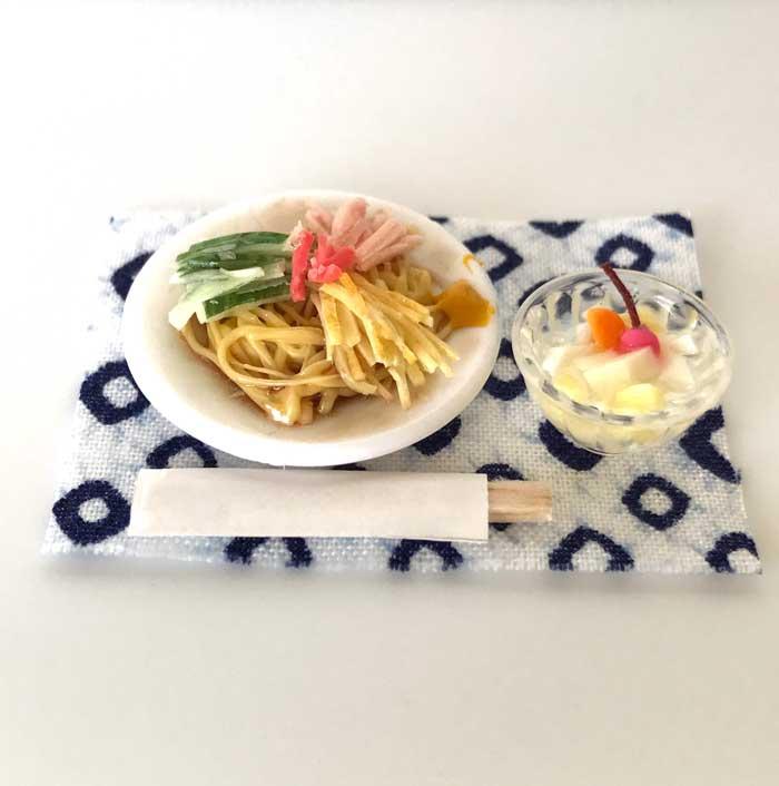 画像2: 冷やし中華と杏仁豆腐