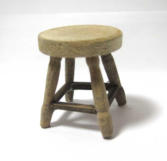 画像1: 木製スツール小・アンティーク風