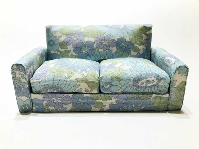 画像2: ブルー系花柄ソファー