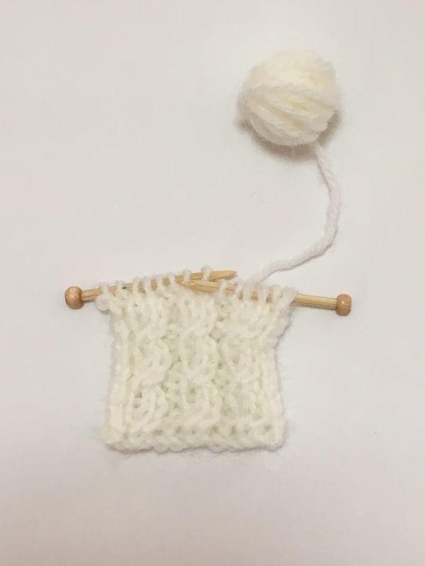 画像1: 編みかけ毛糸