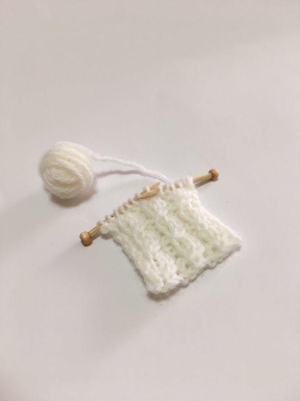 画像4: 編みかけ毛糸