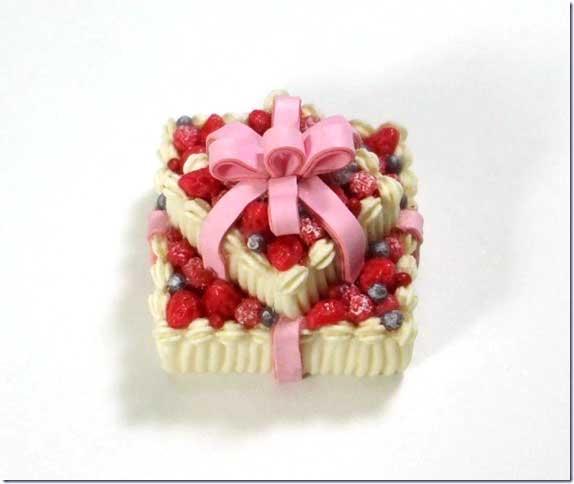 画像2: プレゼントケーキ2段