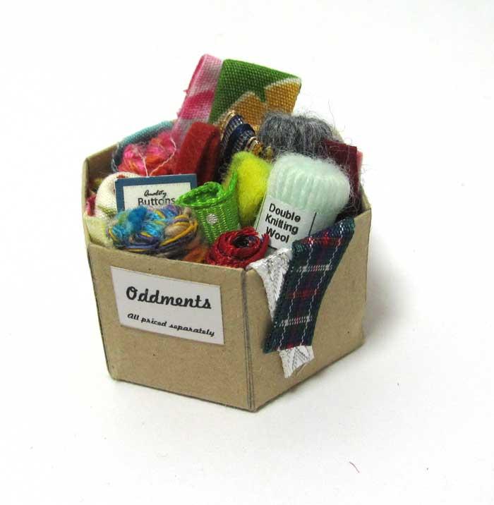 画像1: 毛糸、布BOX