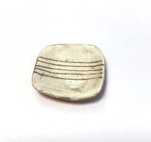 画像1: 陶芸・粉引角皿・5本線