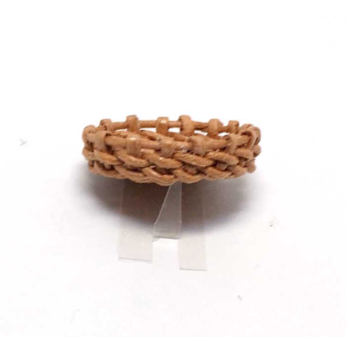 画像2: ハンドメイド 円形  浅かご(茶色)