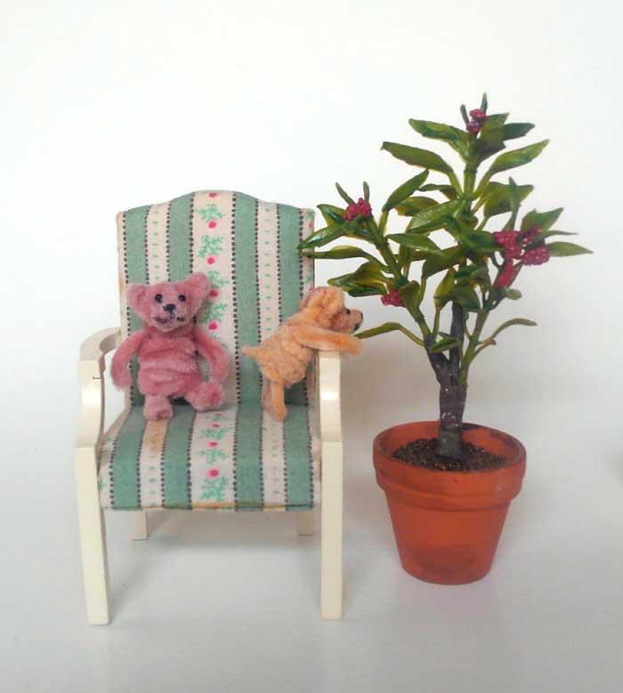 画像5: 赤い実のなる小さな植木