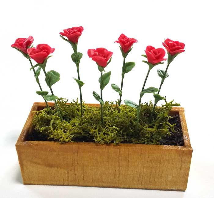 画像1: バラ赤・木製プランター入り