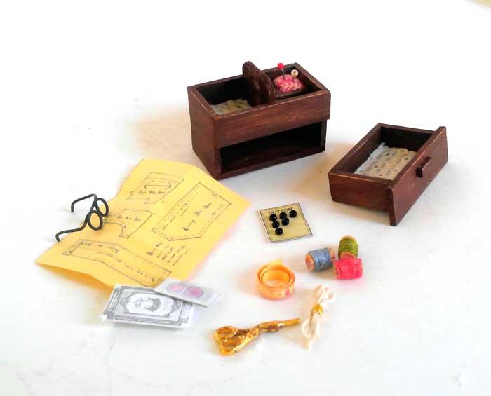 画像4: おばあちゃんの裁縫箱(小物つき)