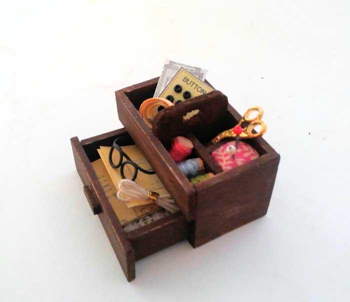 画像2: おばあちゃんの裁縫箱(小物つき)