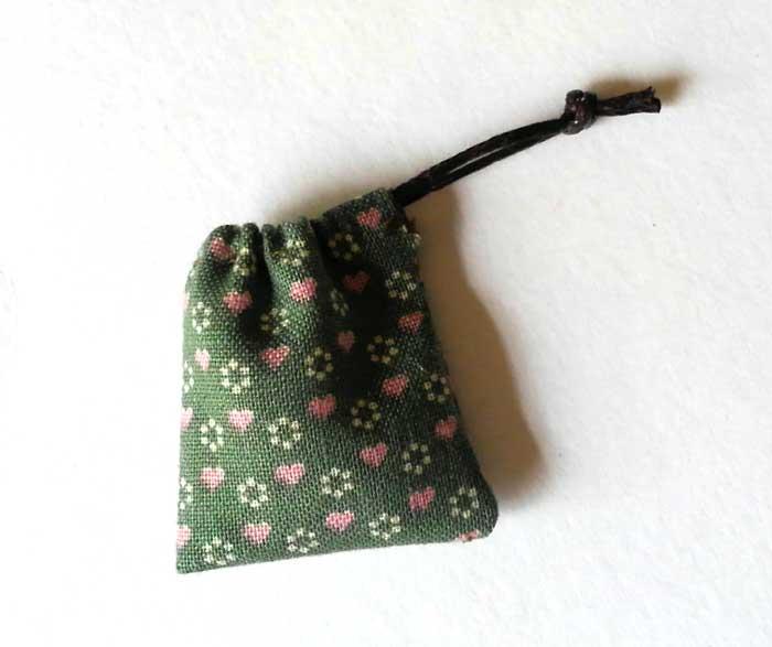 画像2: 巾着袋(グリーン&ピンクハート)
