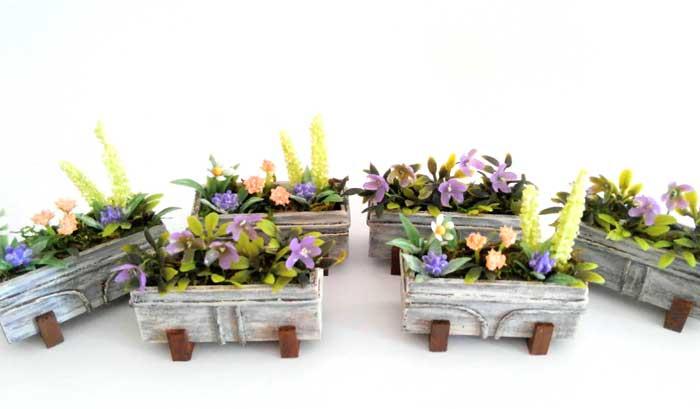 画像4: ウインドウボックス(4種の花の寄せ植え)