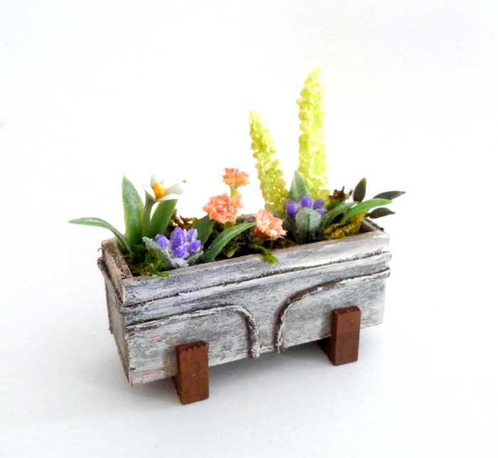 画像1: ウインドウボックス(4種の花の寄せ植え)