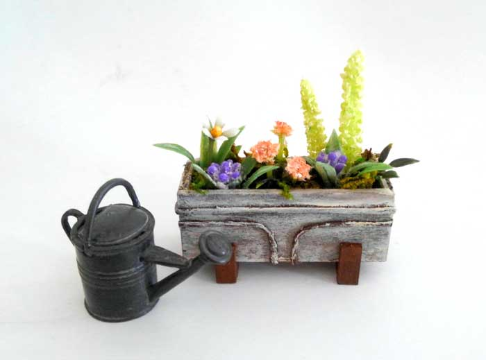 画像2: ウインドウボックス(4種の花の寄せ植え)