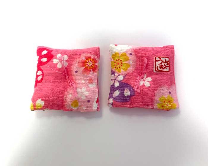画像1: 座布団1個(ピンク柄)