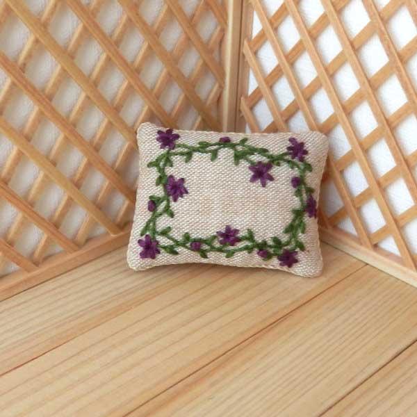 画像2: クッション 刺繍 大 長方形