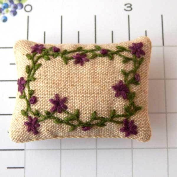 画像1: クッション 刺繍 大 長方形