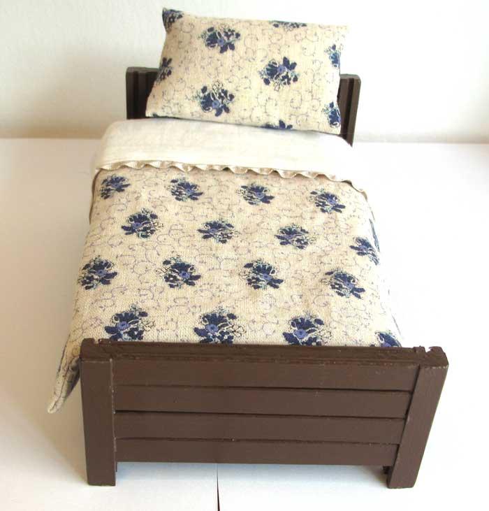 画像4: ベッド&お布団セット(白地紺花柄)