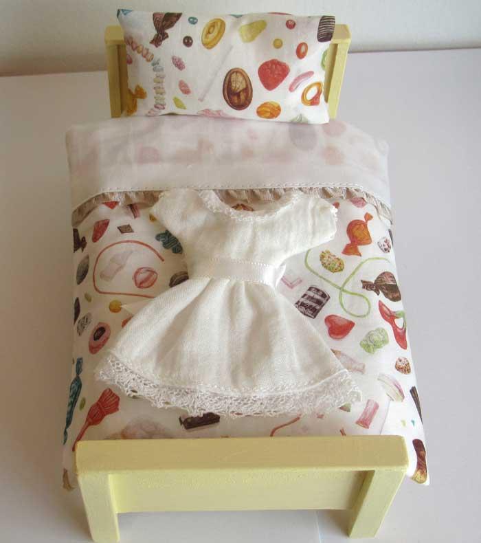 画像1: ベッド&お布団セット(スイーツ柄)