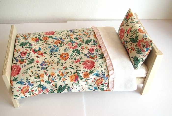 画像2: ベッド&お布団セット(リバティ花柄)