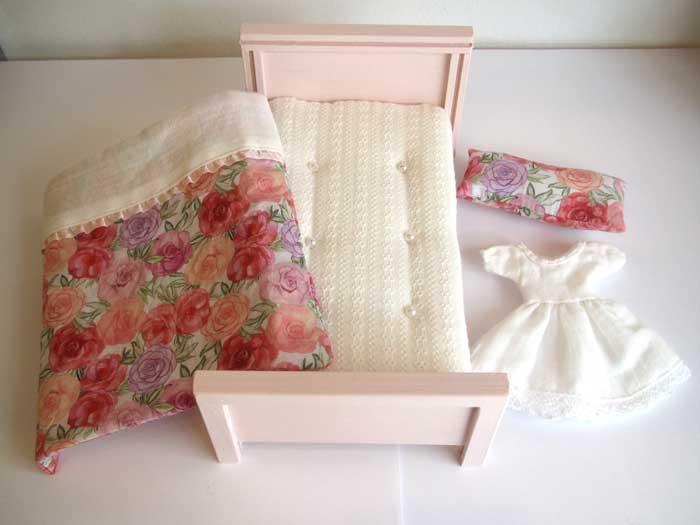 画像5: ベッド&お布団セット(ピンクバラ柄)
