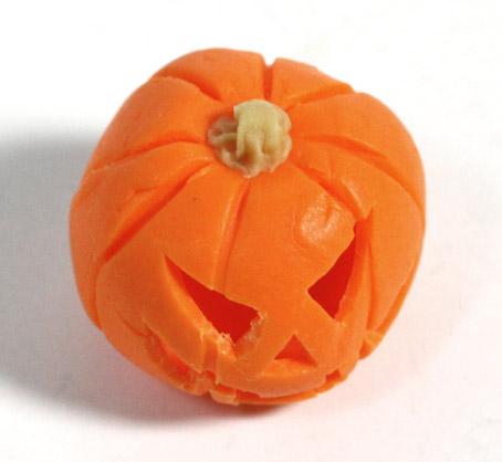 画像2: くり抜きハロウィンかぼちゃ