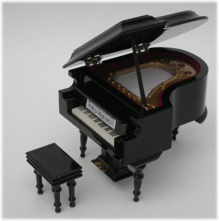 画像1: ミニグランドピアノ・黒ツヤ有り