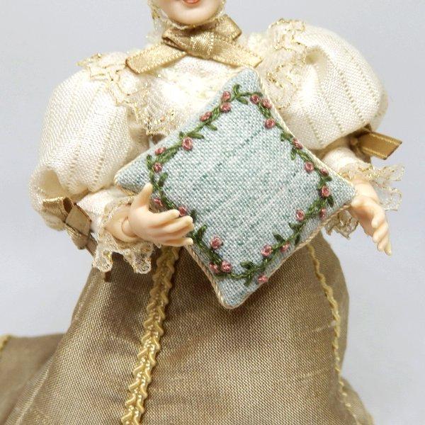 画像2: クッション 白緑 刺繍