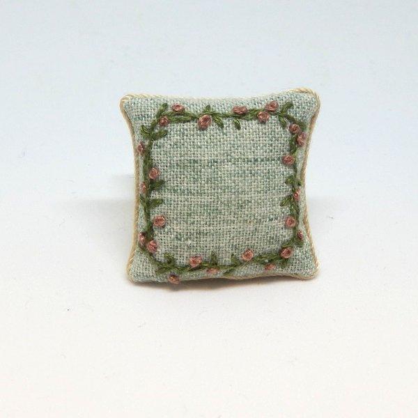画像1: クッション 白緑 刺繍